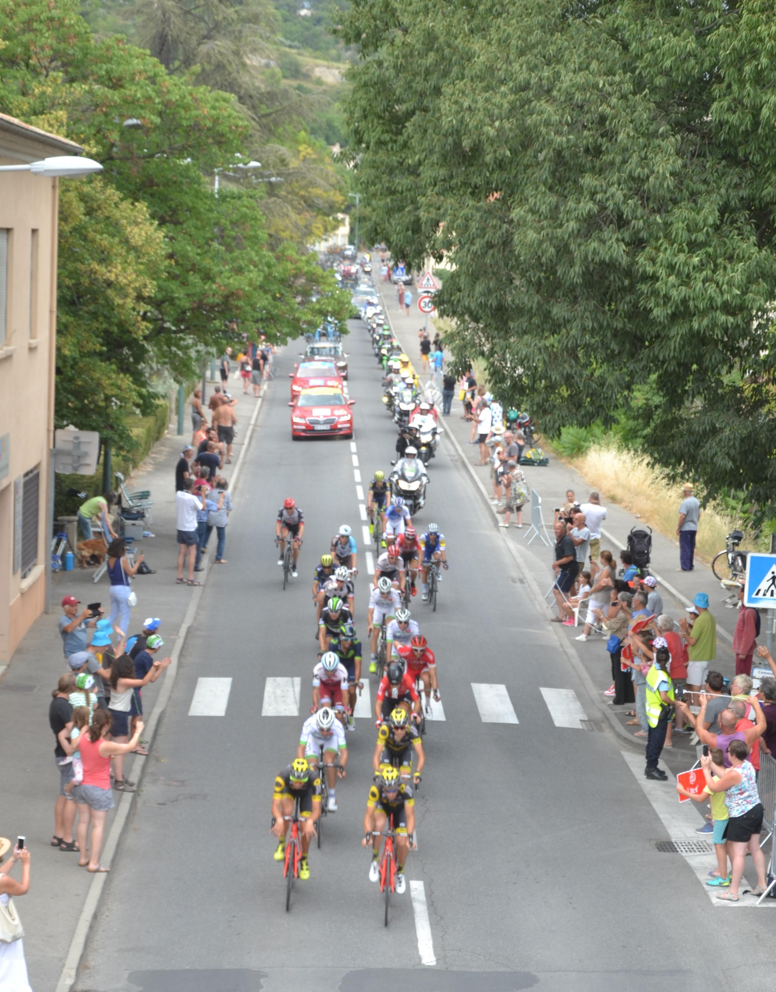 Fichier Tour De France Etape 19 Echappee Apt Jpg Wikipedia