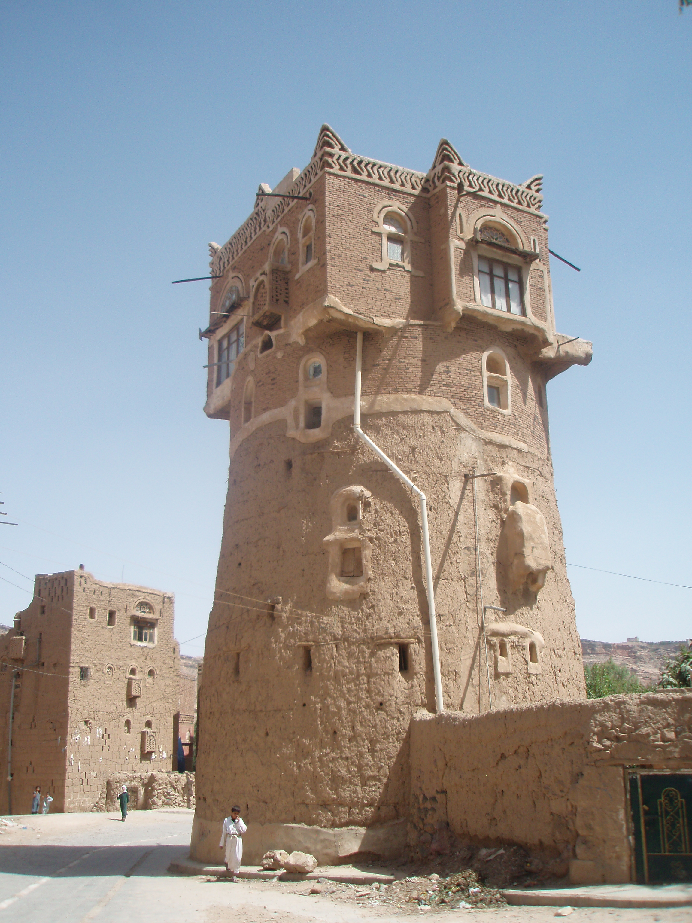 File tower house wadidhar jpg wikimedia commons - The house in the old franciscan tower ...