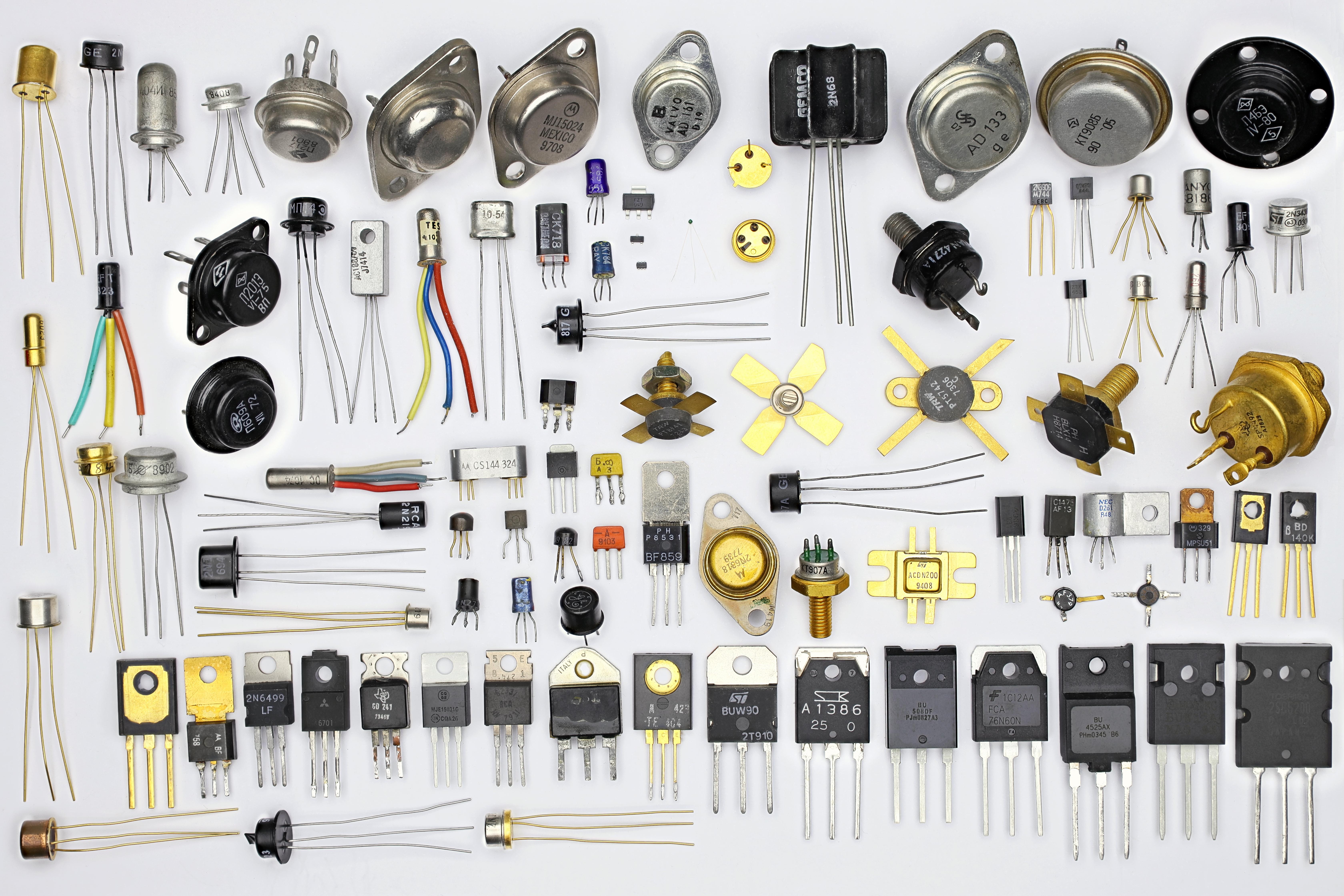 Diferentes tipos de transistor