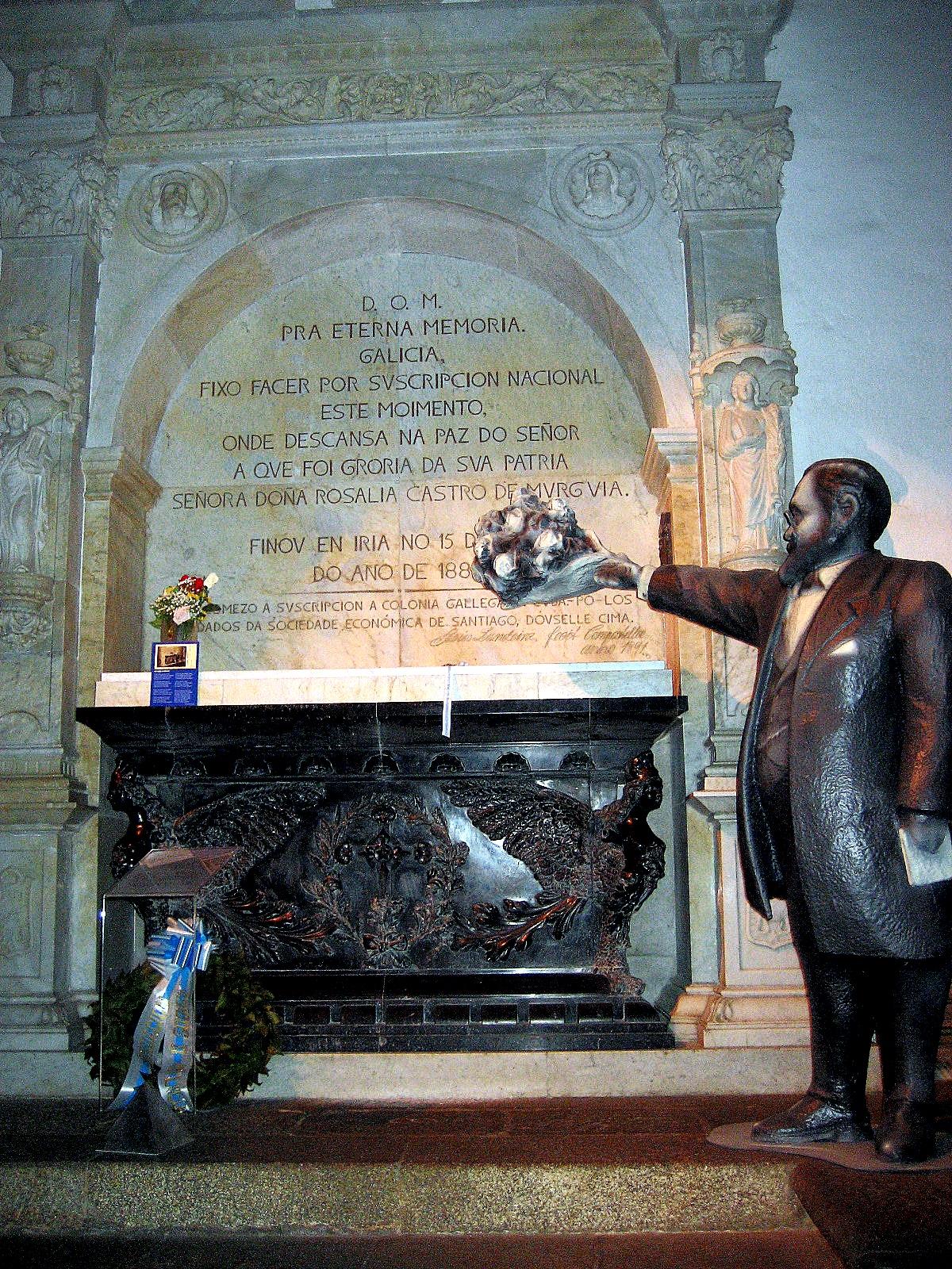 Tumba de Rosalía en el convento de Santo Domingo de Bonaval, en Santiago de Compostela.