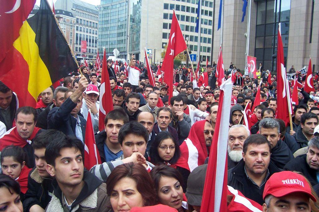 Stižu radnici iz Irana , izdaju im se vize po ubrzanom postupku - Page 3 Turkish_people_in_Belgium