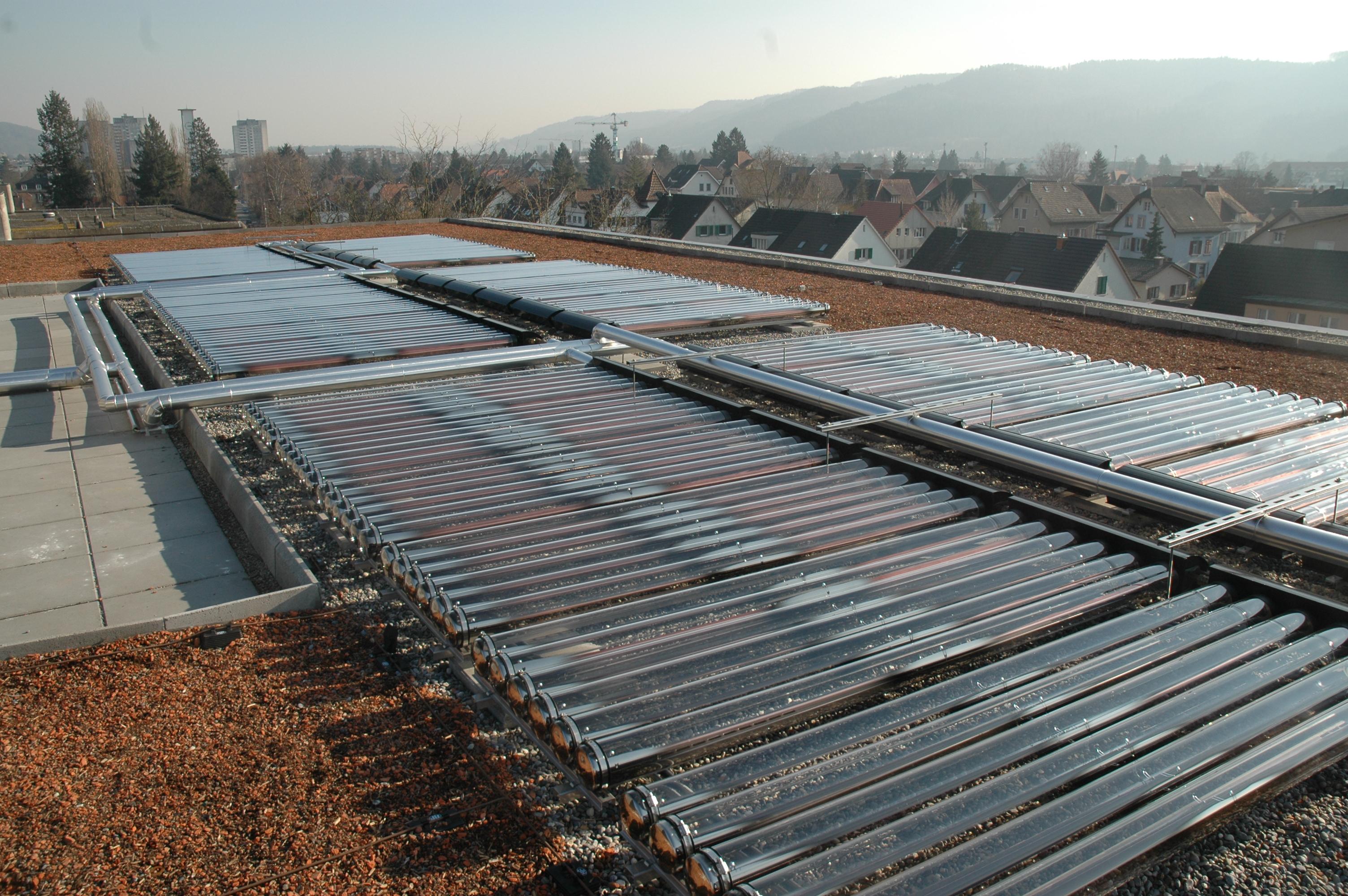Auf Dem Dach : datei warmwasseraufbereitung auf dem wikipedia ~ Frokenaadalensverden.com Haus und Dekorationen