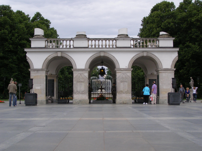 File:Warszawa Grob Nieznanego Zolnierza.jpg - Wikimedia Commons