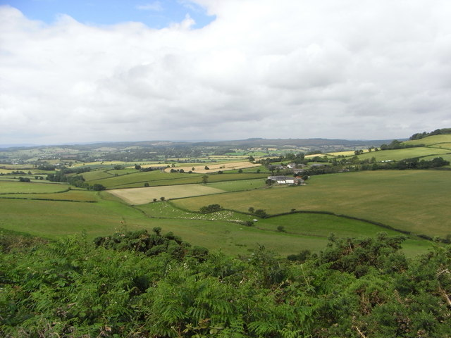 Weeks Farm and Horstone - geograph.org.uk - 879184