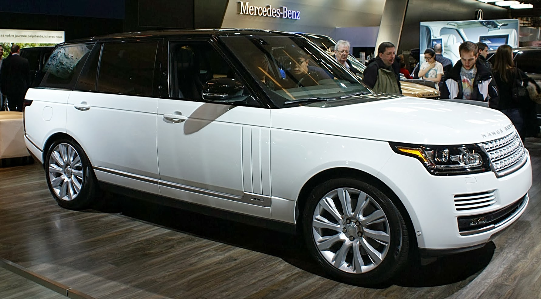 file white range rover mkiv lwb fr mias wikimedia commons. Black Bedroom Furniture Sets. Home Design Ideas