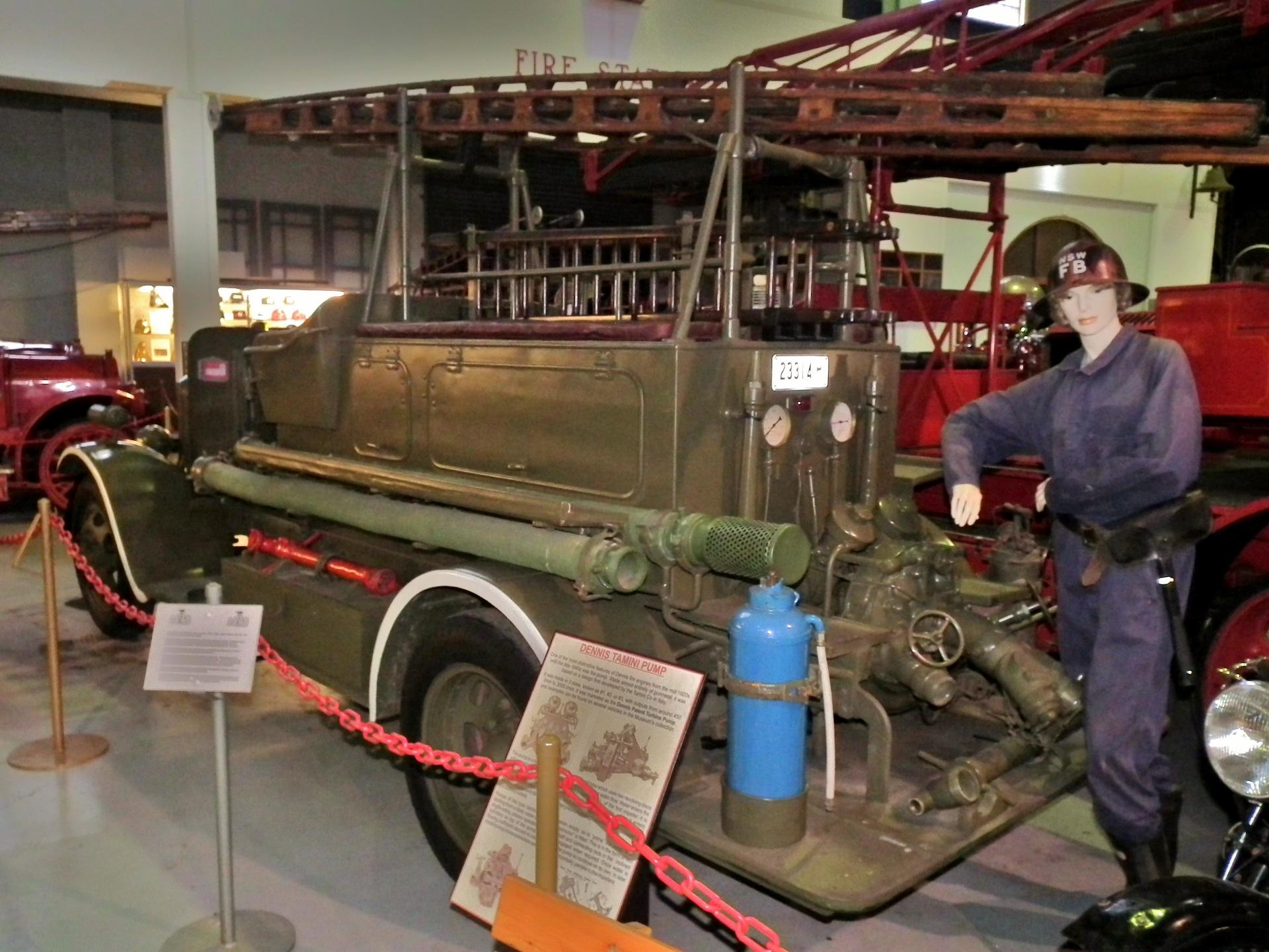 File:1931 Dennis 250-400 fire truck (12318696774) jpg