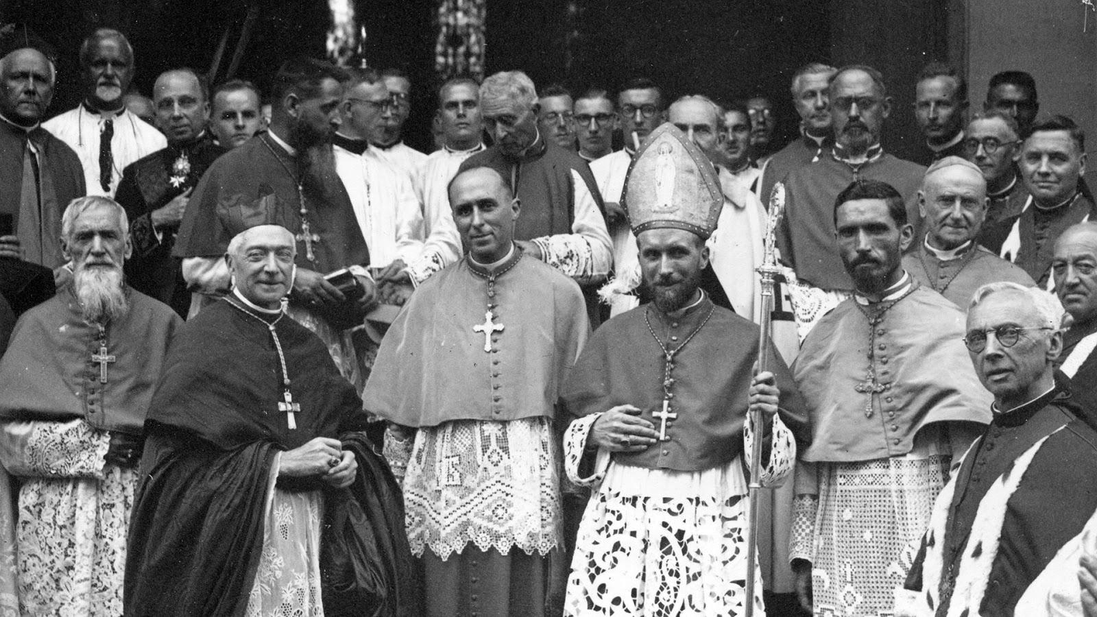 File:19470918 Consecration episcopale Mgr Marcel Lefebvre ...
