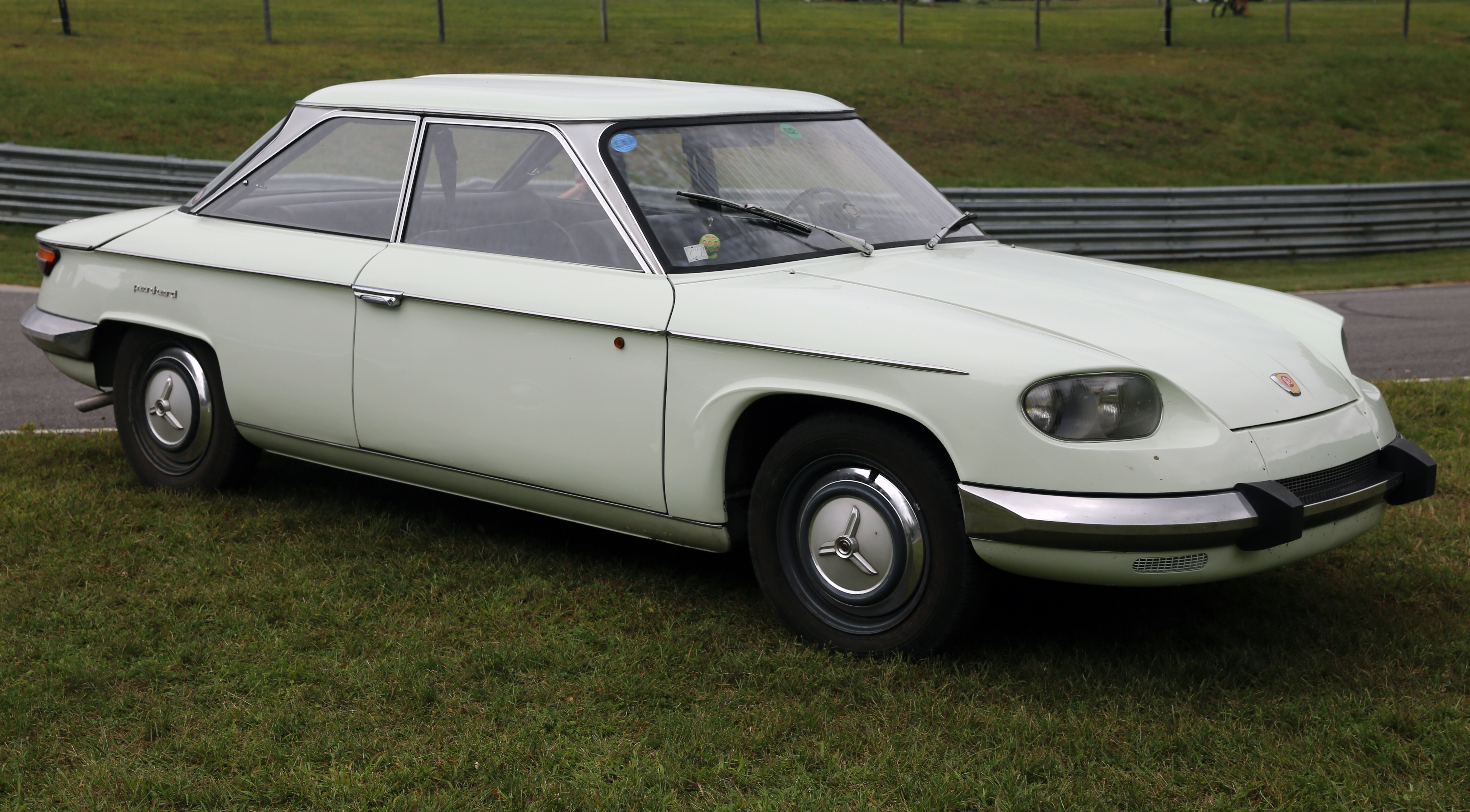 file 1967 panhard 24bt front left lime rock jpg wikimedia commons. Black Bedroom Furniture Sets. Home Design Ideas