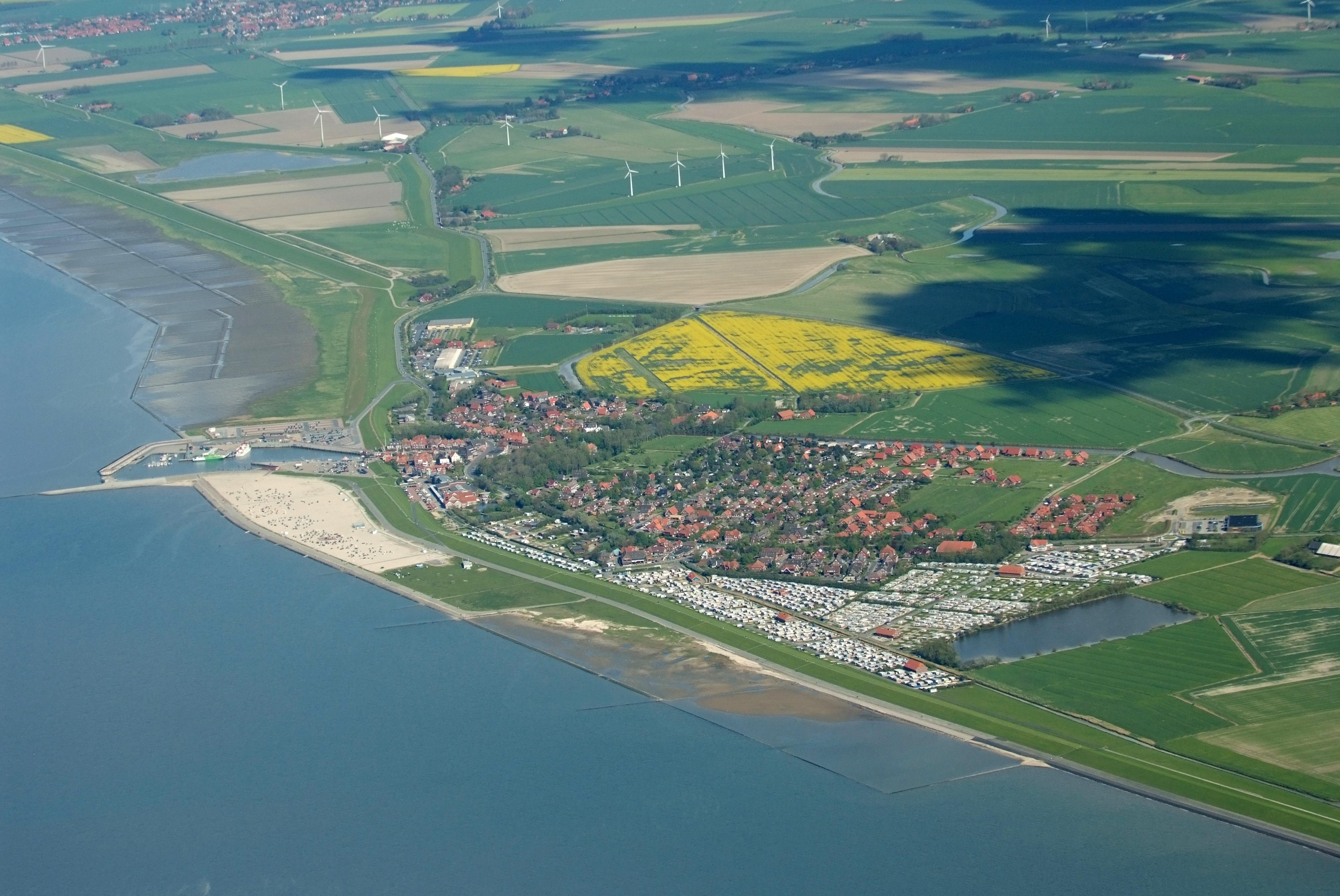 File:2012-05-13 Nordsee-Luftbilder DSCF8730.jpg - Wikimedia Commons