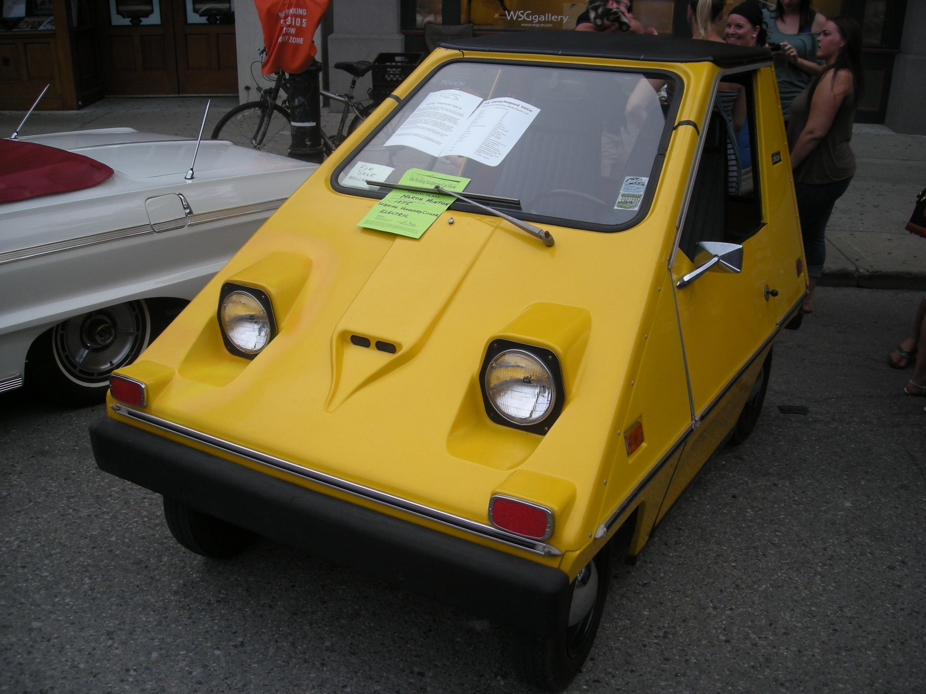2014_Rolling_Sculpture_Car_Show_85_(1975