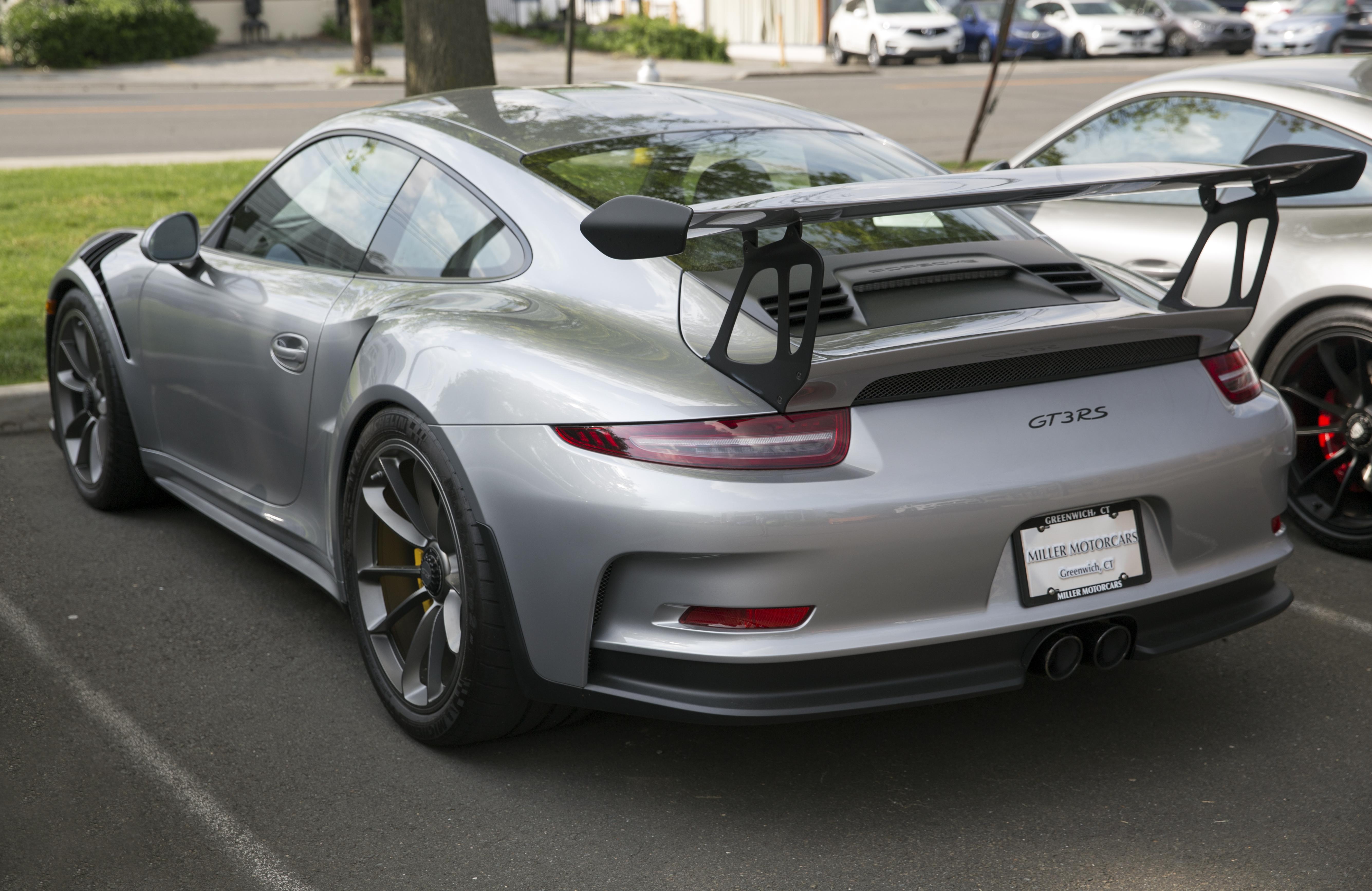 File:2016 Porsche 911 GT3 RS in GT Silver, rear left.jpg ...