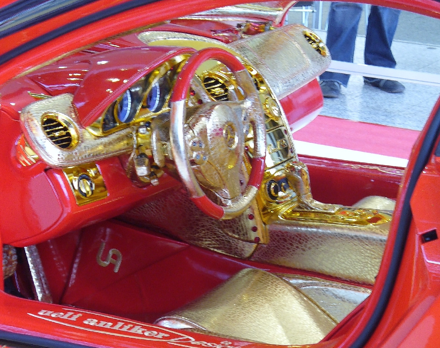 File anliker slr 999 red gold dream interieur for Interieur 607
