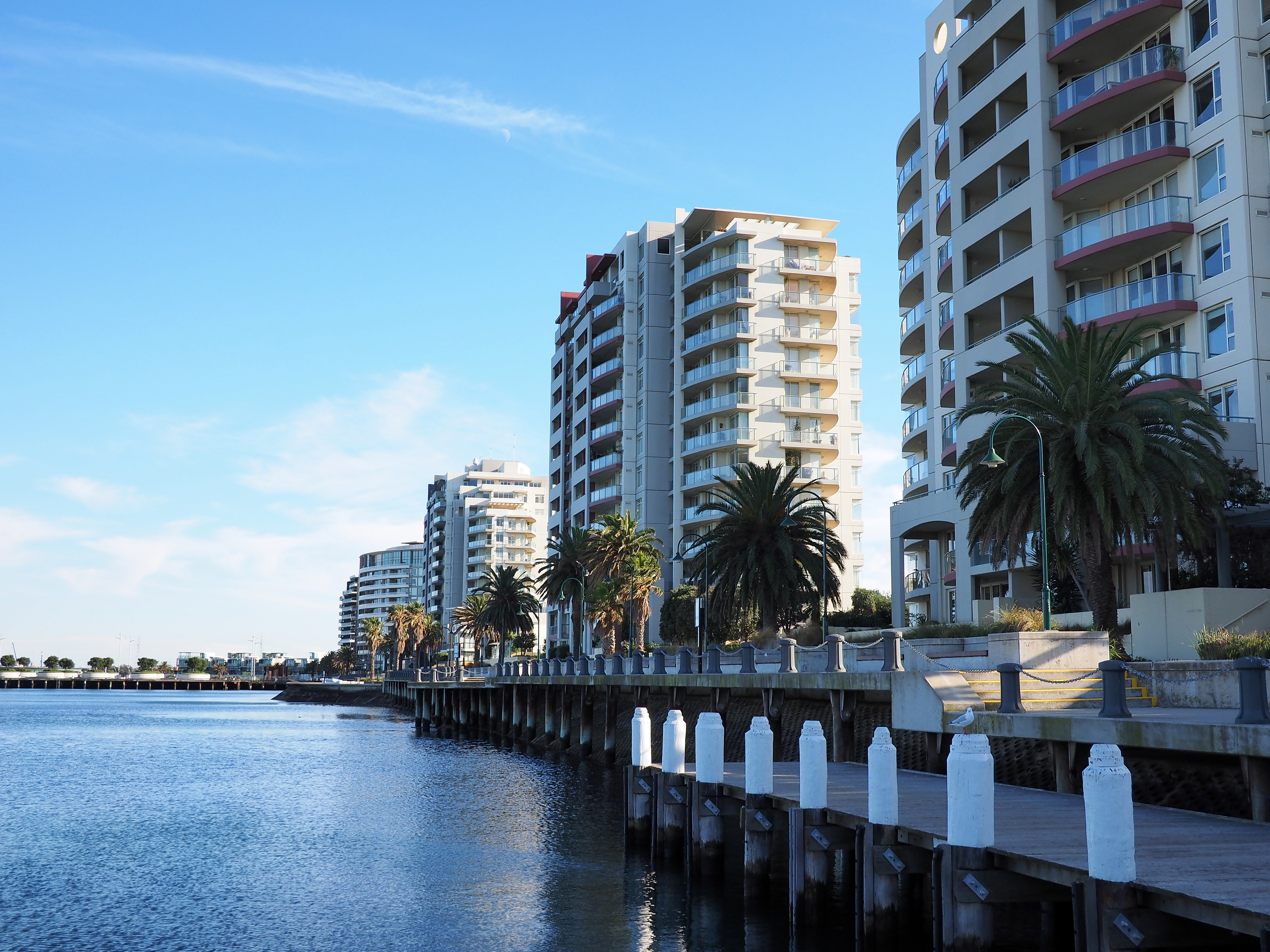 File Apartment Buildings At Port Melbourne In June 2017 Jpg