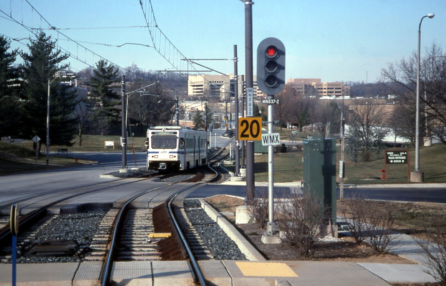 FileBaltimore Light Rail train entering Gilroy Road station