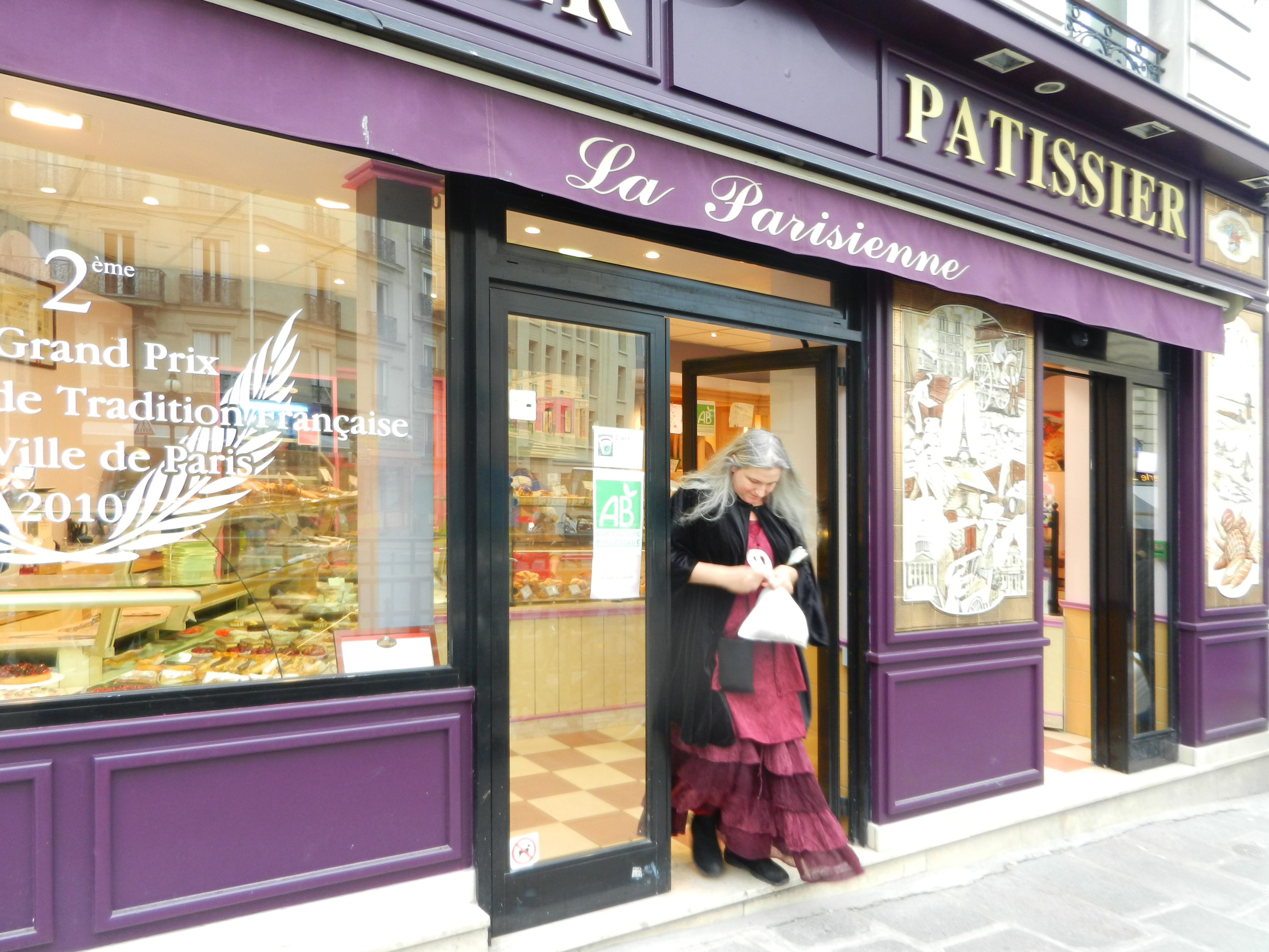 File:Boulangerie Patisserie La Parisienne, 28 rue Monge, 75005 Paris, April 2011.jpg - Wikimedia
