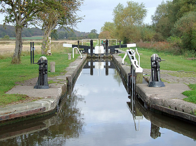 Branston Lock, Trent and Mersey Canal, Staffordshire - geograph.org.uk - 1553247