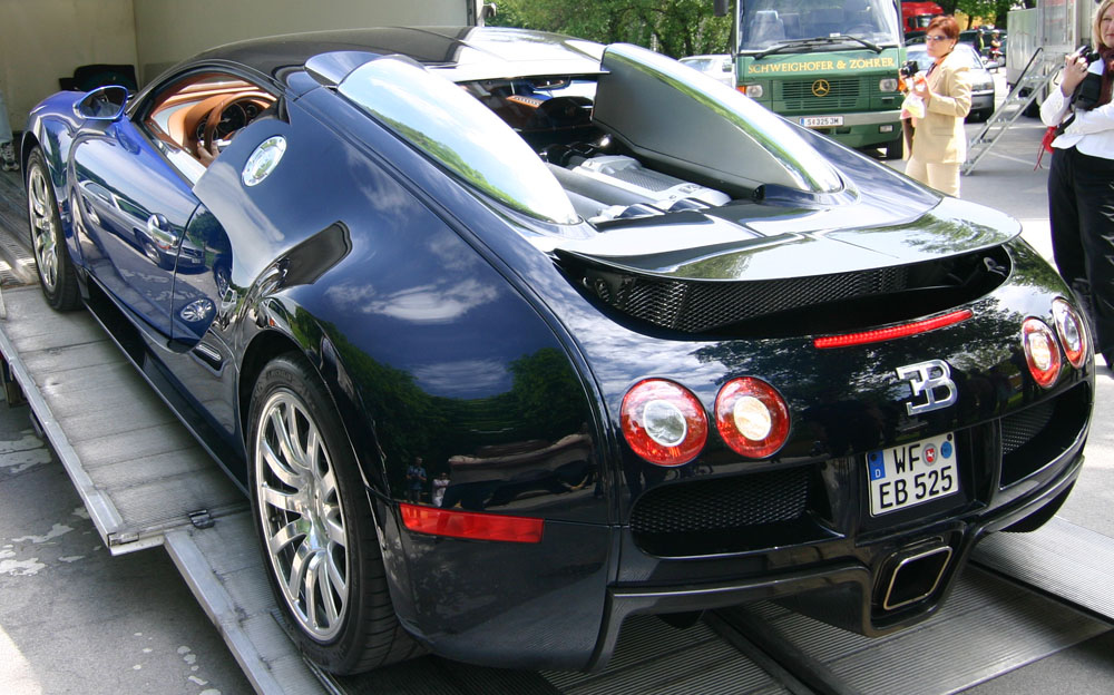 pictures of bugatti cars