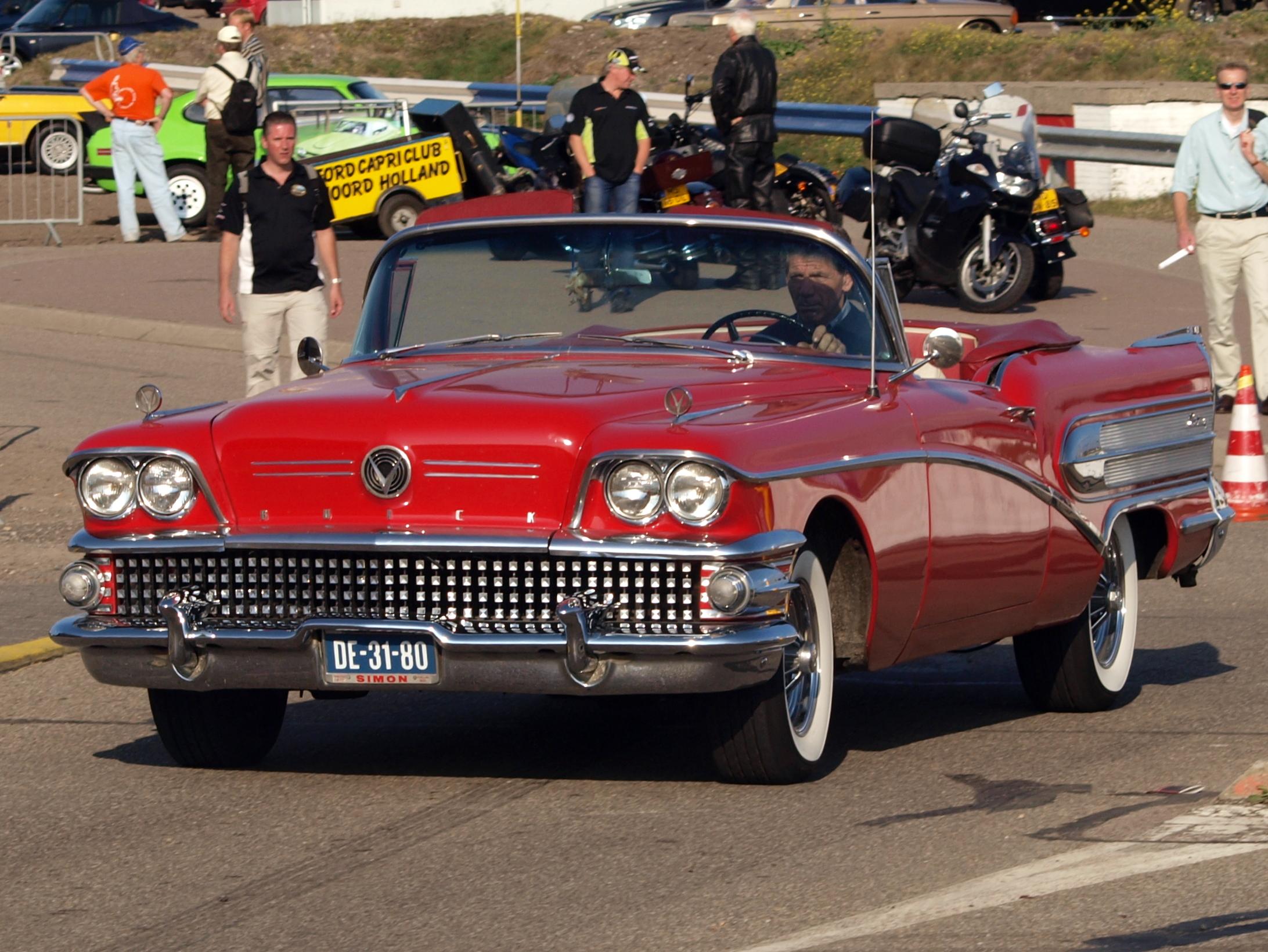 Classic Cars: 1958 Buick Century