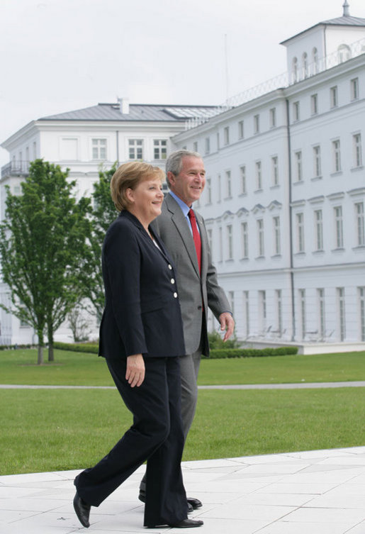 Bush Merkel G8 summit 2007 white house.jpg