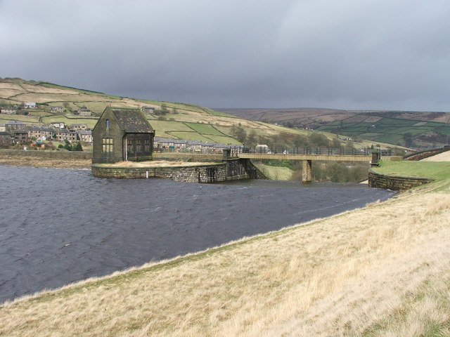 Butterley reservoir outflow. - geograph.org.uk - 145669