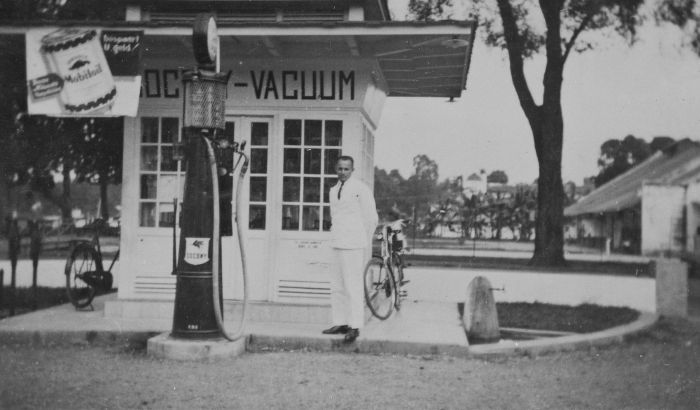Tankstelle in Niederländisch Indien (Socony, Mobile Oil)