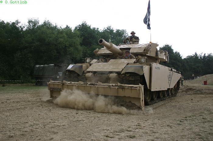 Gulf war AVRE 165 (FV 4003) in British service.