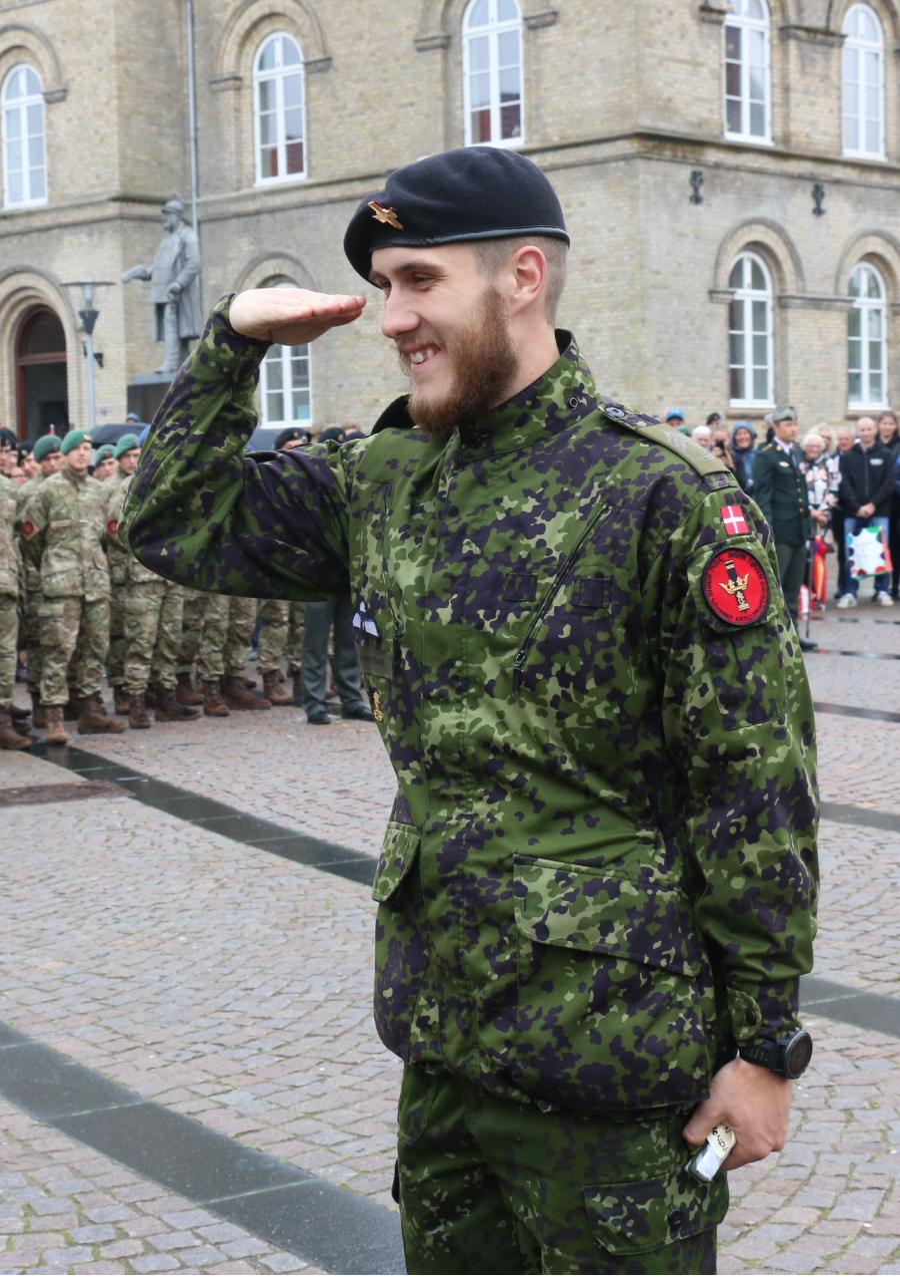 Salute wikipedia danish militaryedit kristyandbryce Choice Image