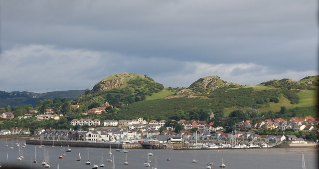 File:Deganwy from Conwy Castle - geograph.org.uk - 1480431.jpg