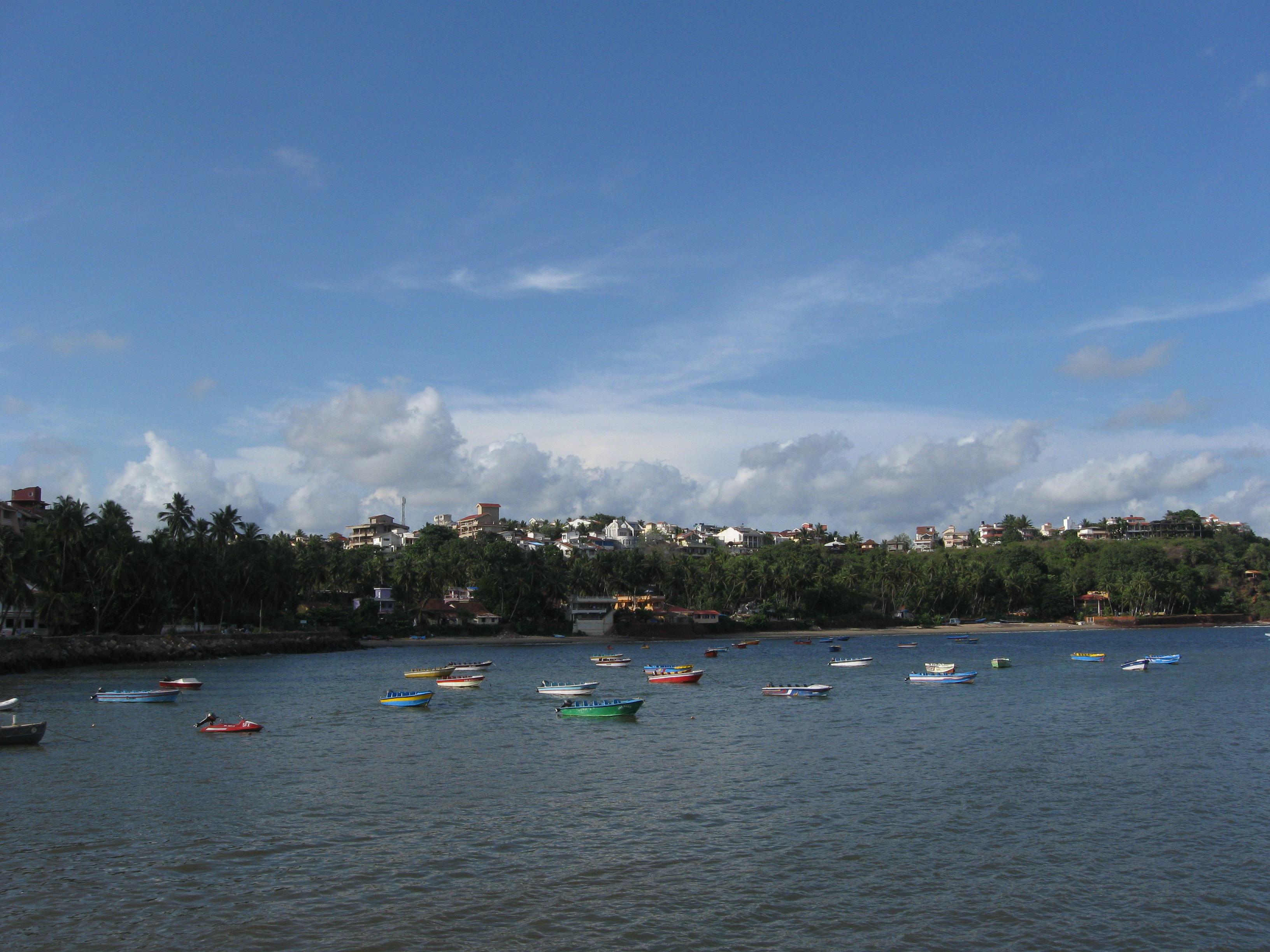 Dona Paula Beach Resort