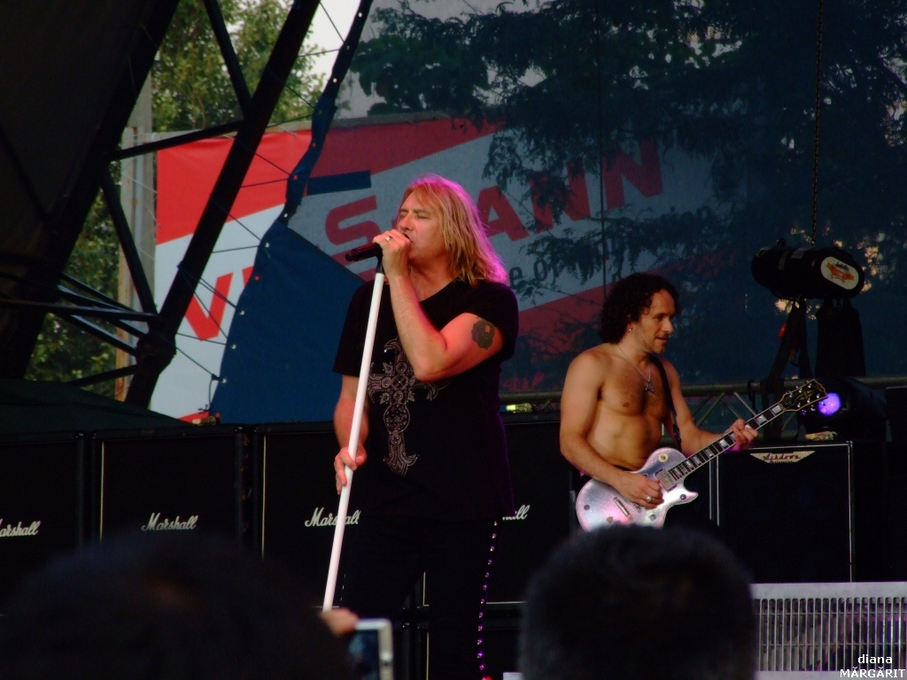 photo by diana mărgărit from bucharest romania def leppard 02