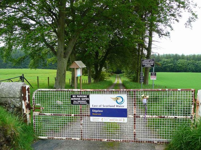 Entrance to Edgelaw Reservoir - geograph.org.uk - 834017