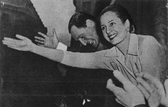 Ficheiro:Evita y Perón 05.jpg