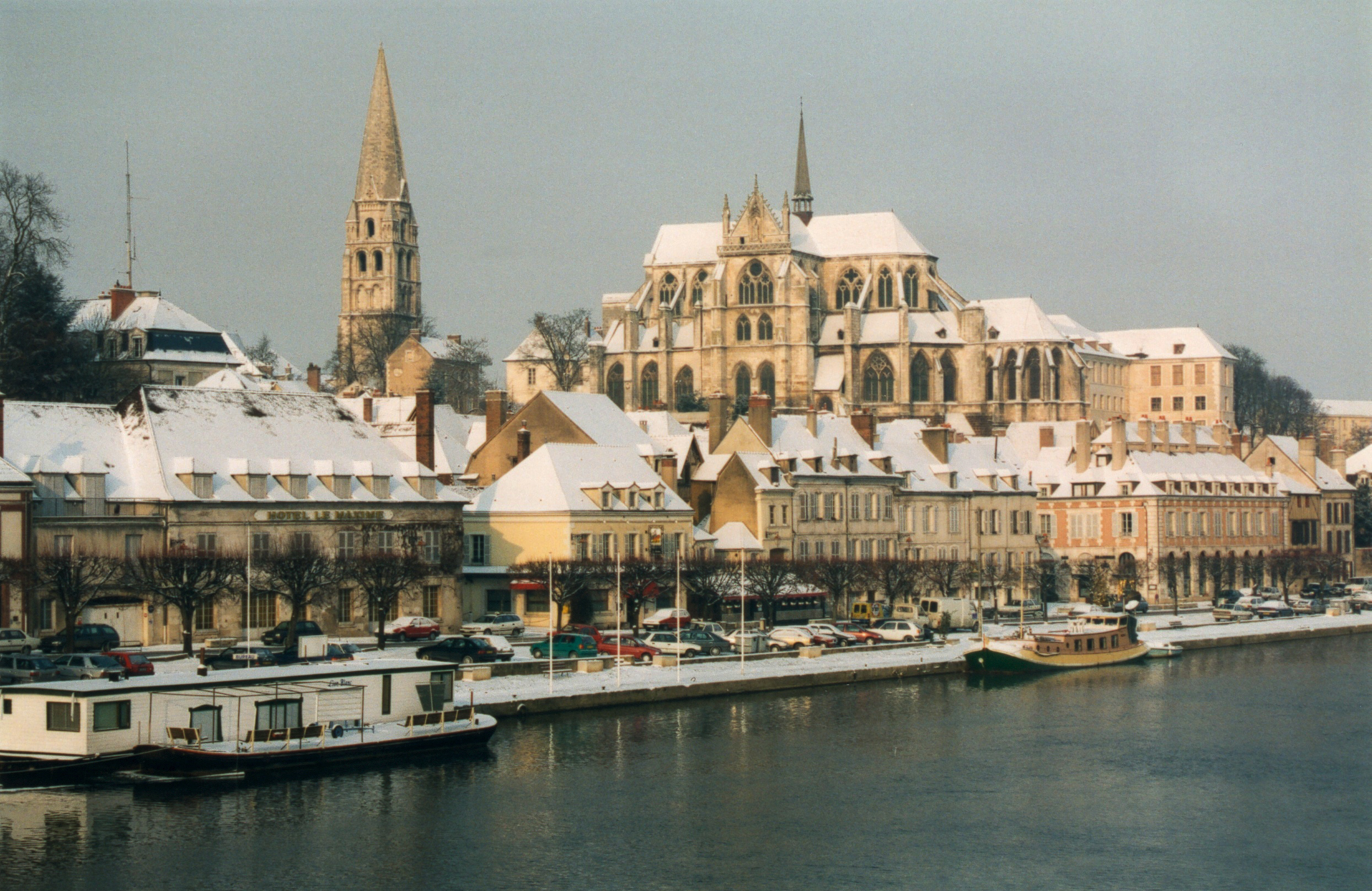 File:France Yonne Auxerre 04.jpg