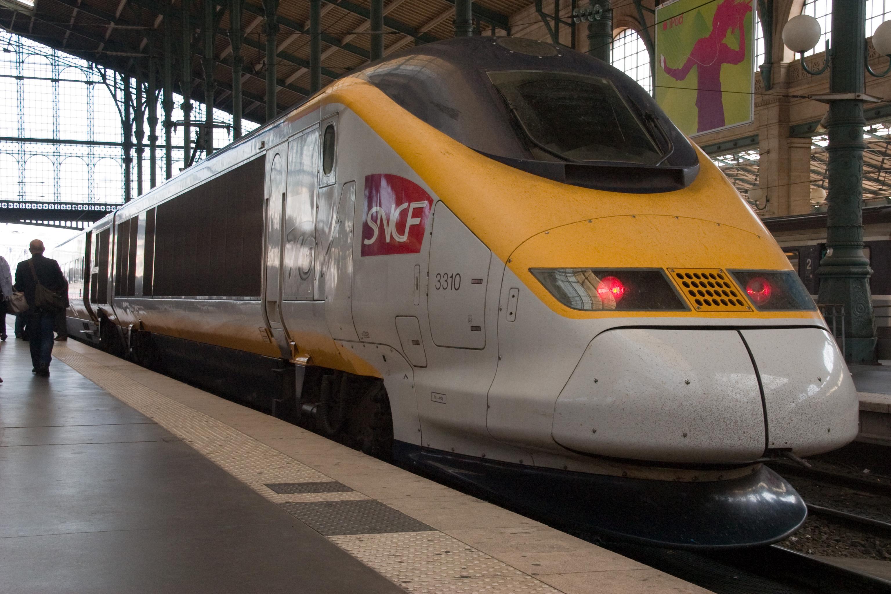 File:Gare du Nord gCRW 1402.jpg