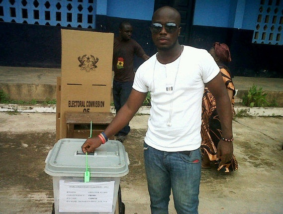 Ghanaians cast their vote on 7 December 2012 in the general elections