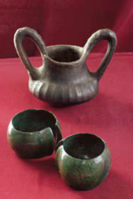 Hallstatt ceramic goblet and wide bronze braclet from Lisjevo Polje - Montenegro