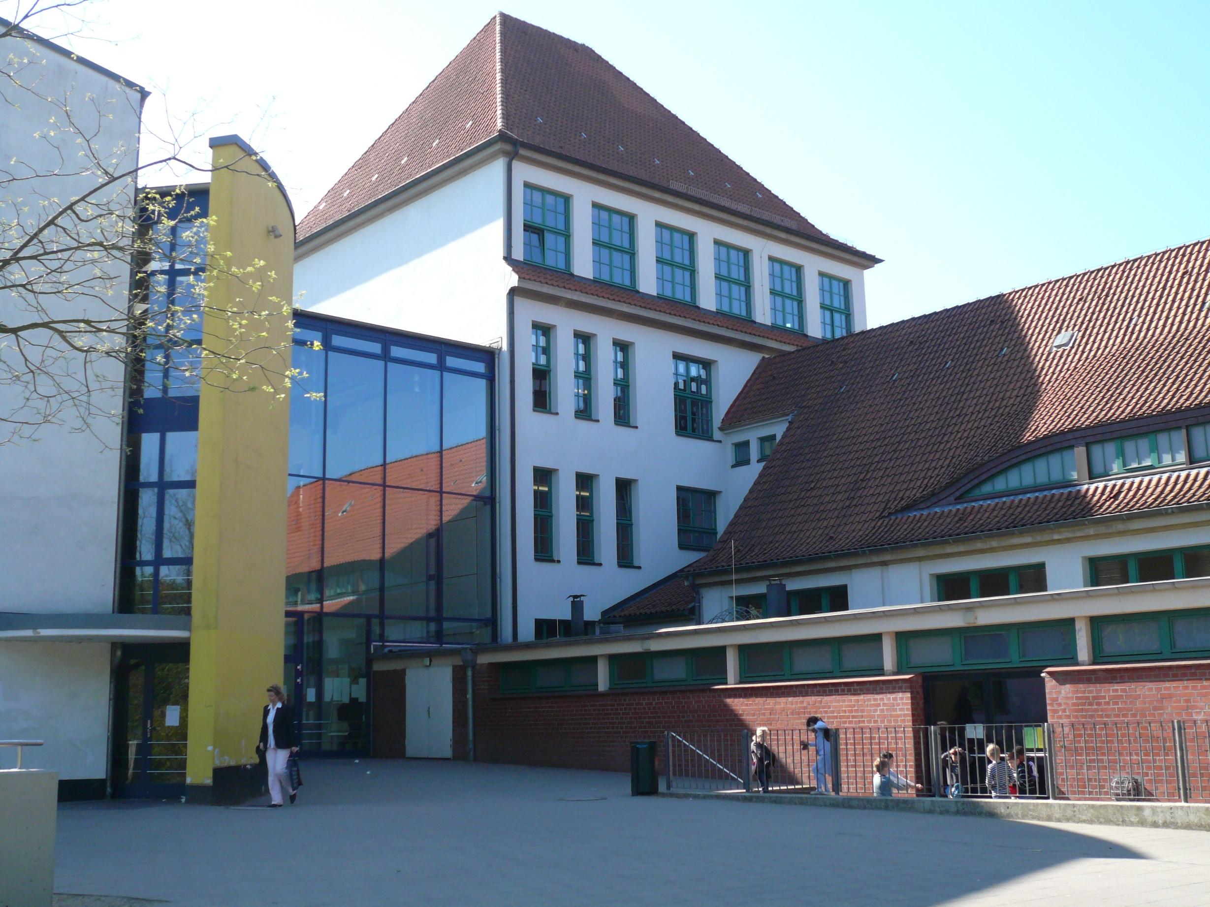DateiHamburgeppendorfGesamtschuleLöwenstraßeost2wmt