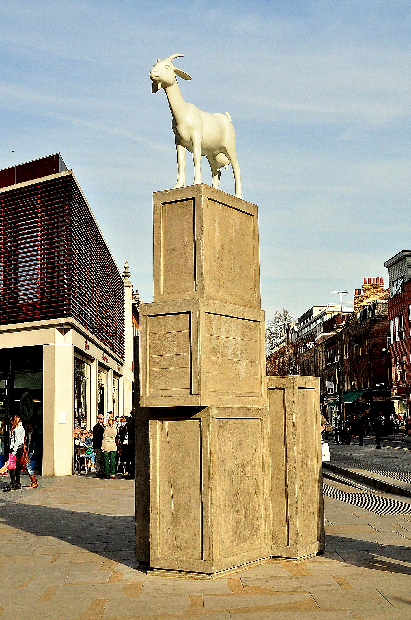 Spitalfields London: File:I Goat Sculpture, Spitalfields, London.JPG