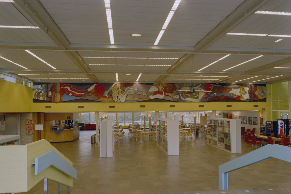 File:Interieur, overzicht kantine en bibliotheek - Hilversum ...