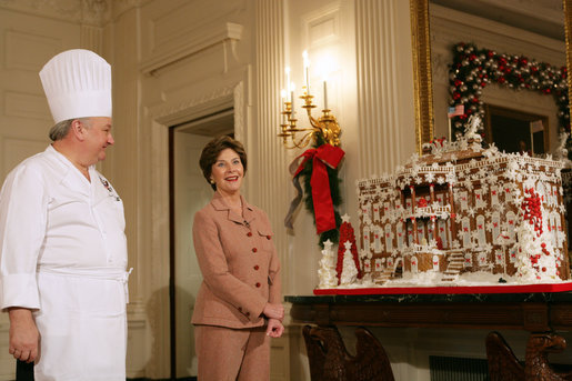 File:Laura Bush and chef Roland Mesnier.jpg