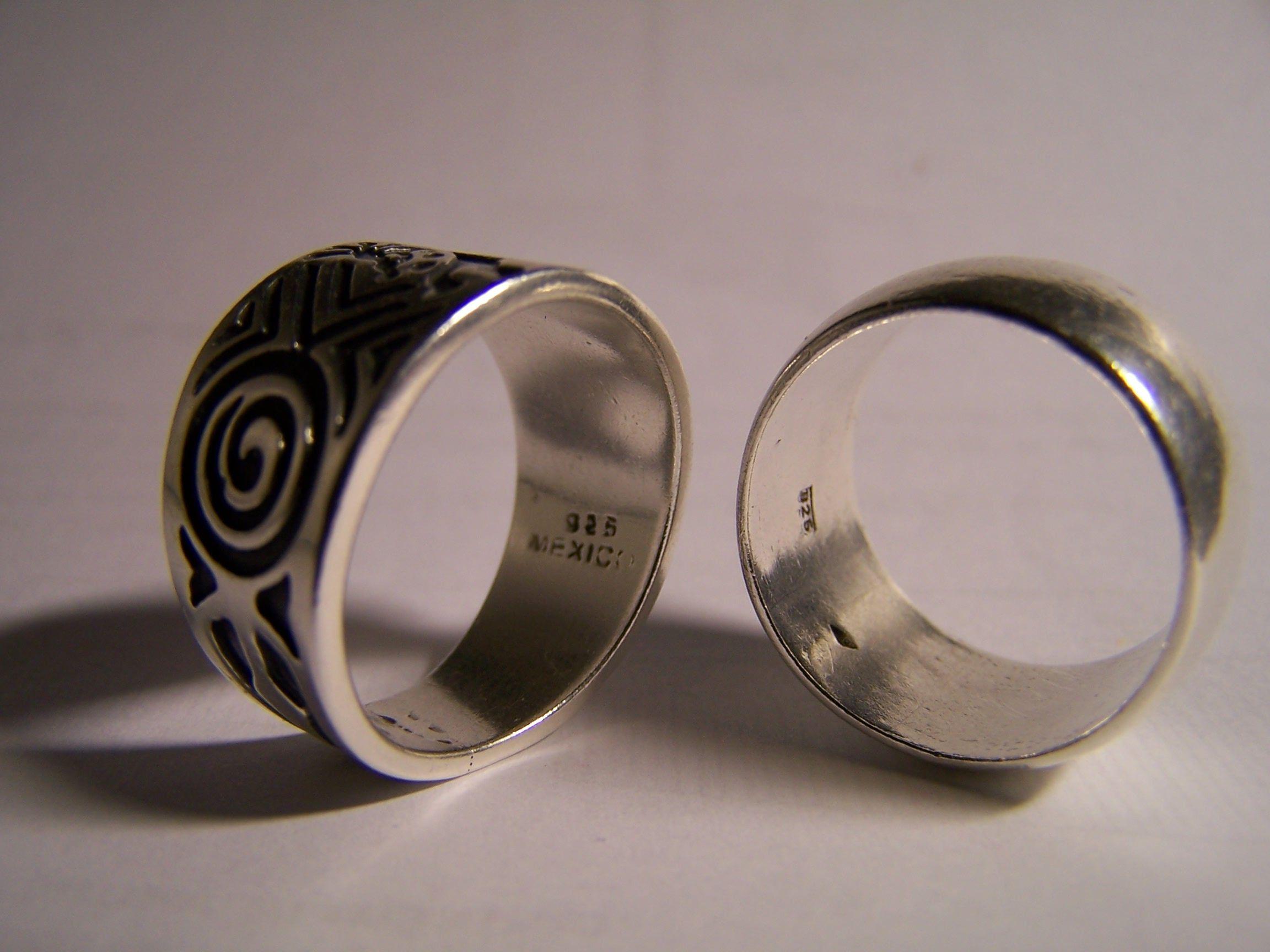 8b7835b47265 File Marca plata de ley 925 en dos anillos.JPG - Wikimedia Commons