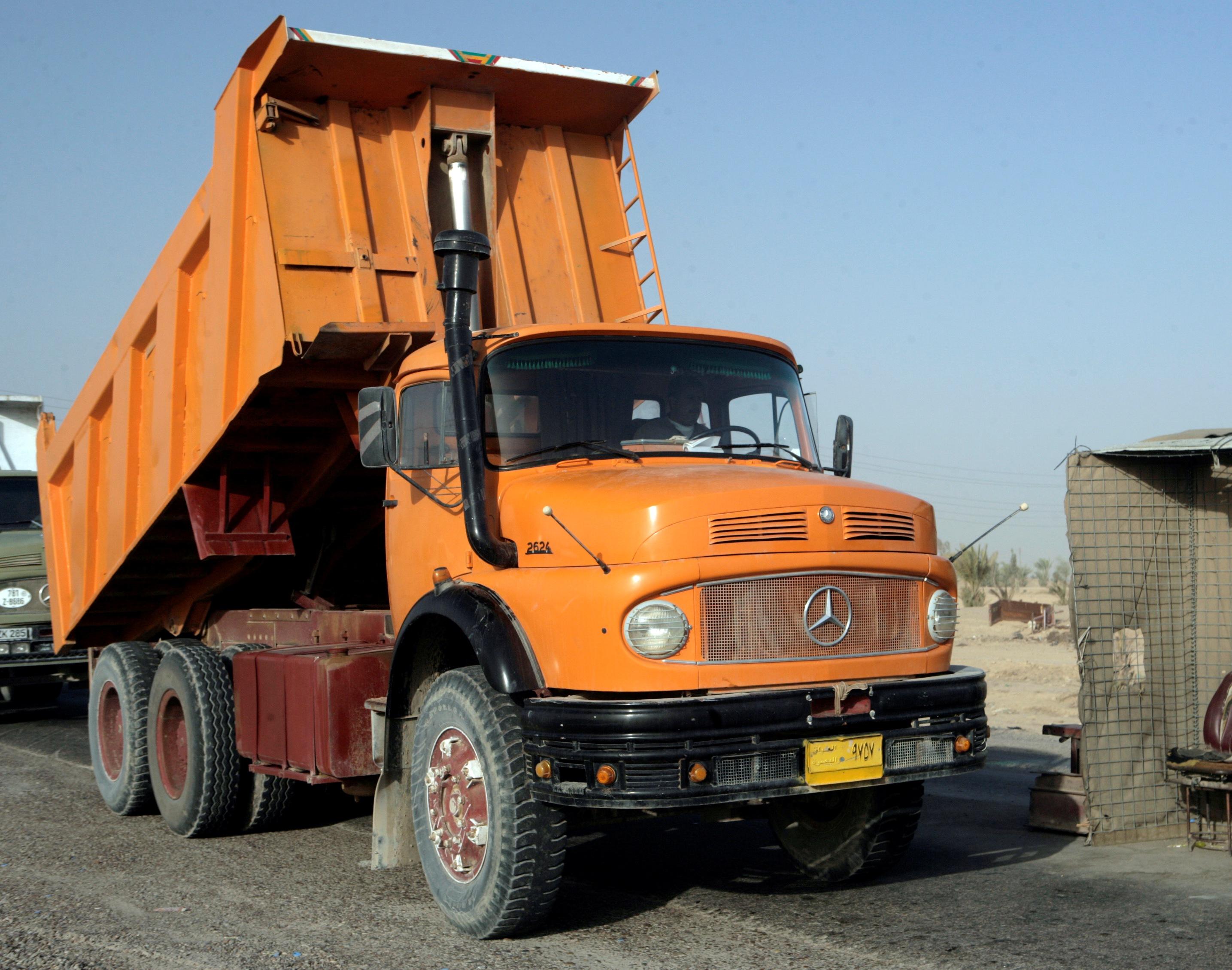 File:Mercedes-Benz 2624 in Iraq.jpg