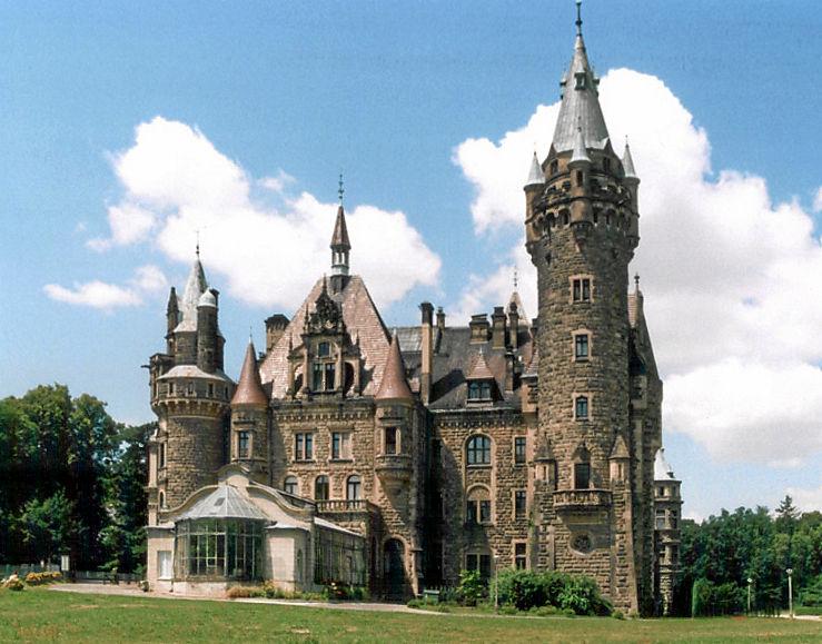 Le château de Moszna, près d'Opole (Sud-Ouest de Pologne). (définition réelle 739×579*)