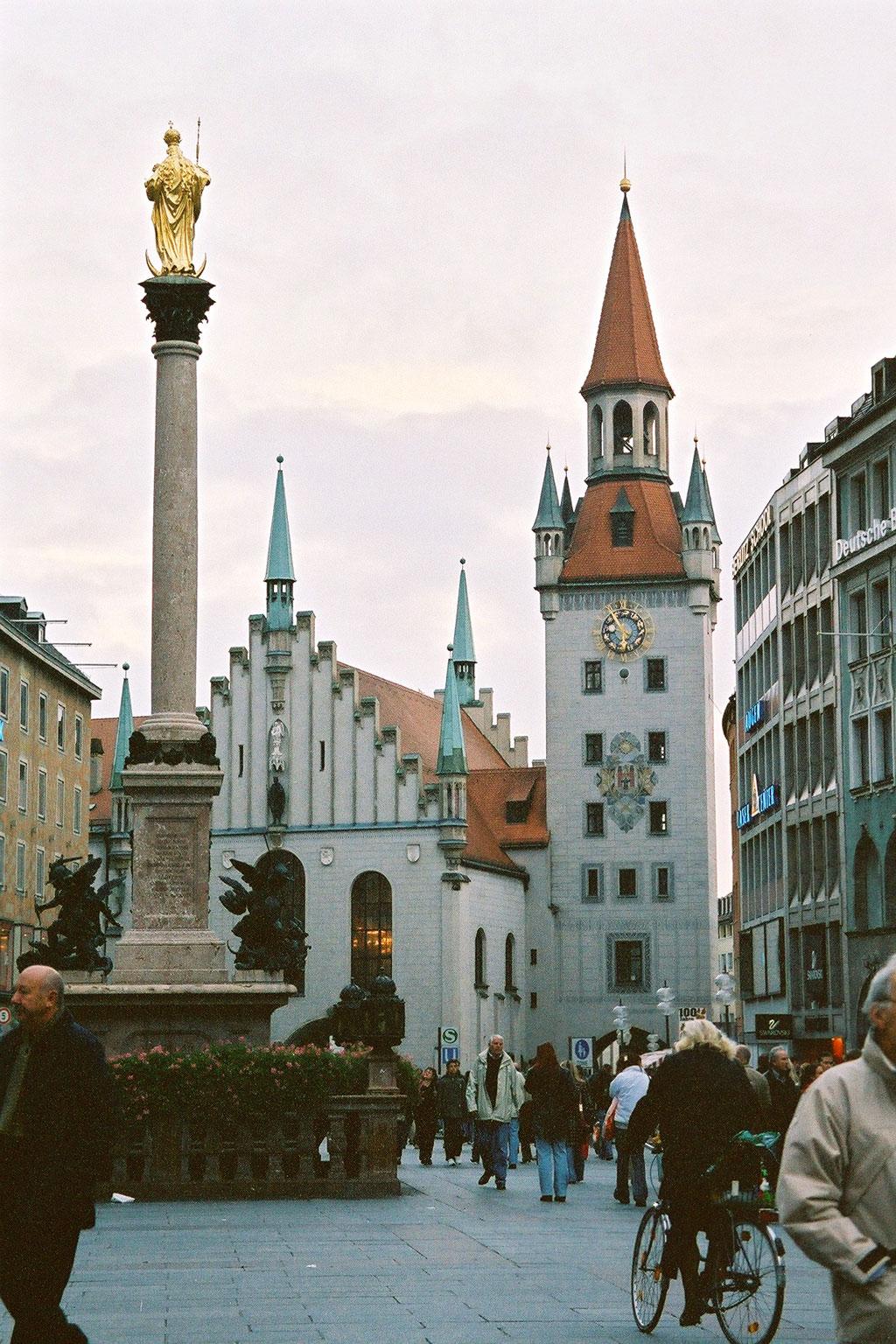 marienplatz kirche münchen