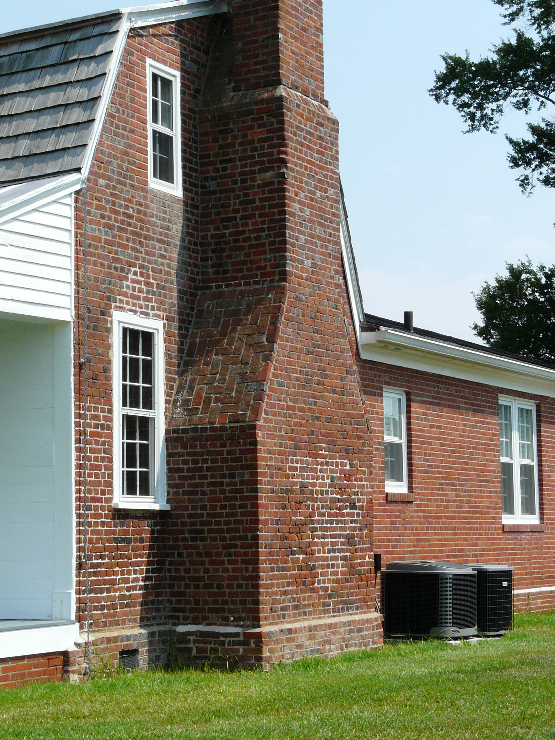 File Myers White House West Side Chimney Jpg Wikimedia