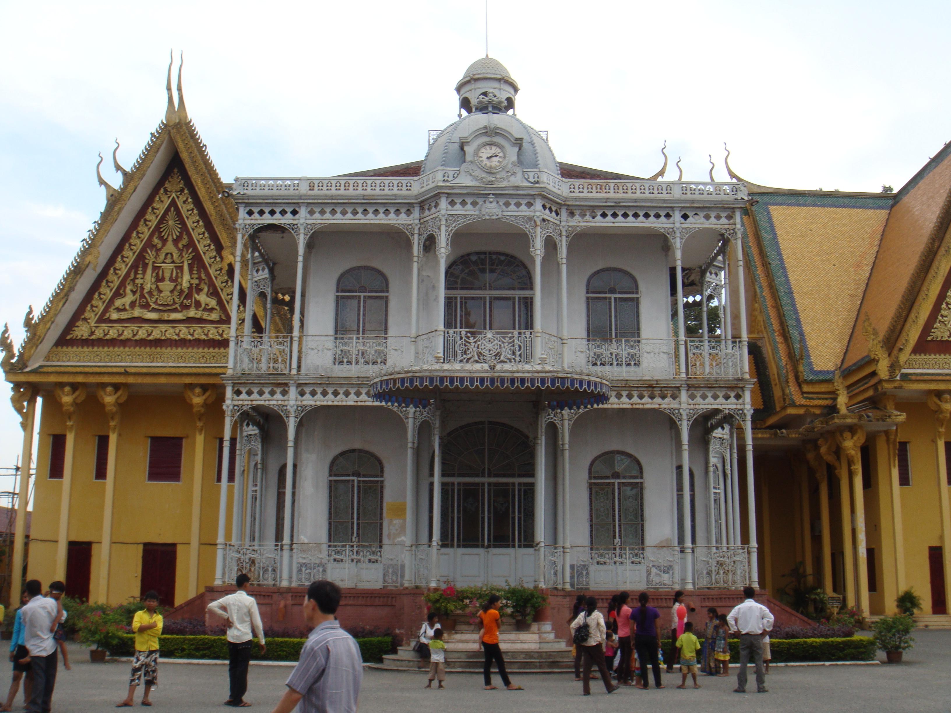 File Napoleon At Royal Palace Cambodia Jpg Wikimedia