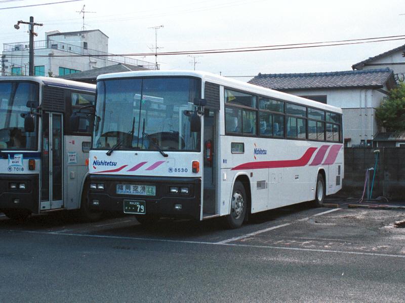 Nishitetsu-Bus 8530AR