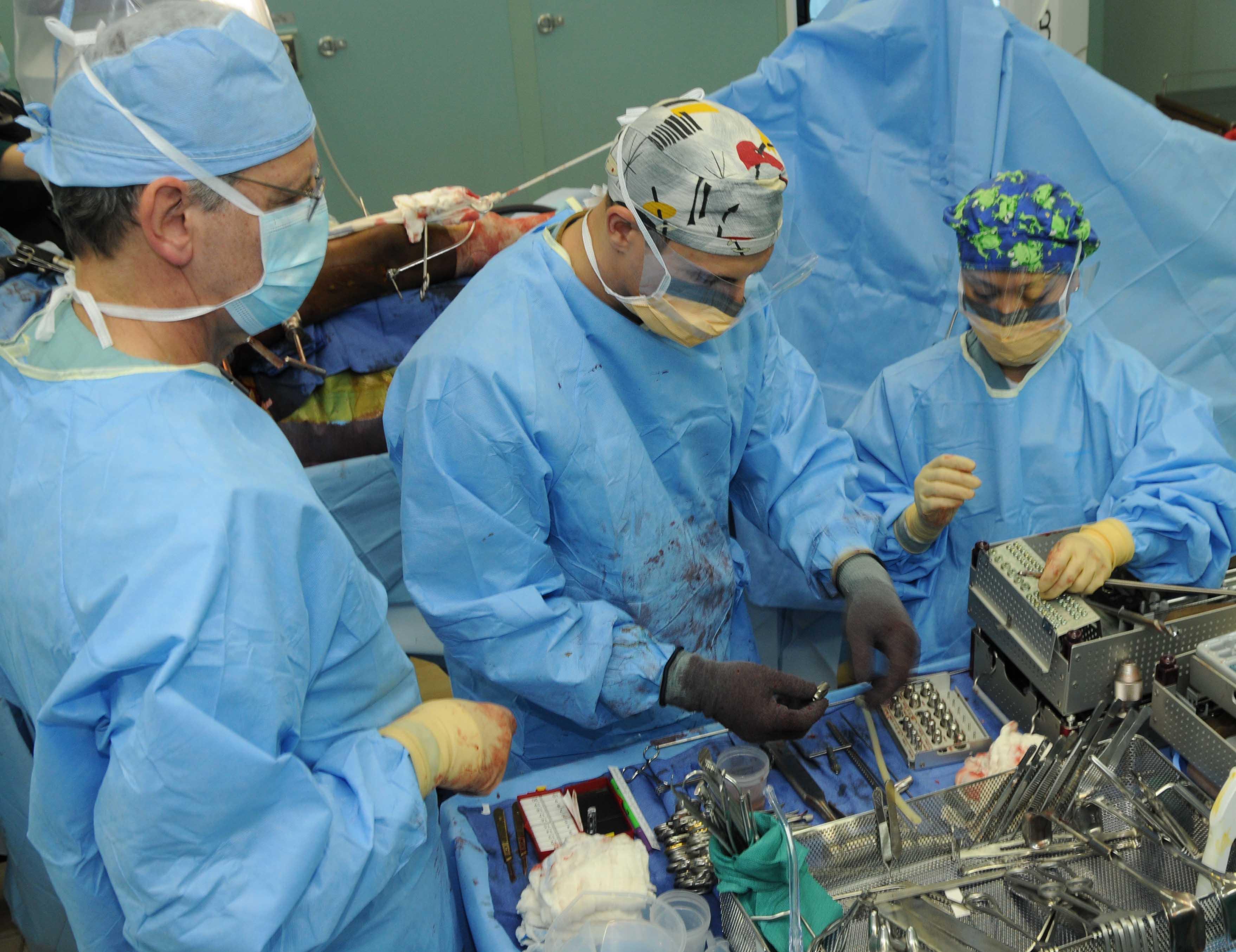 The Average American Surgical Tech Salary – Surgical Tech Job Description