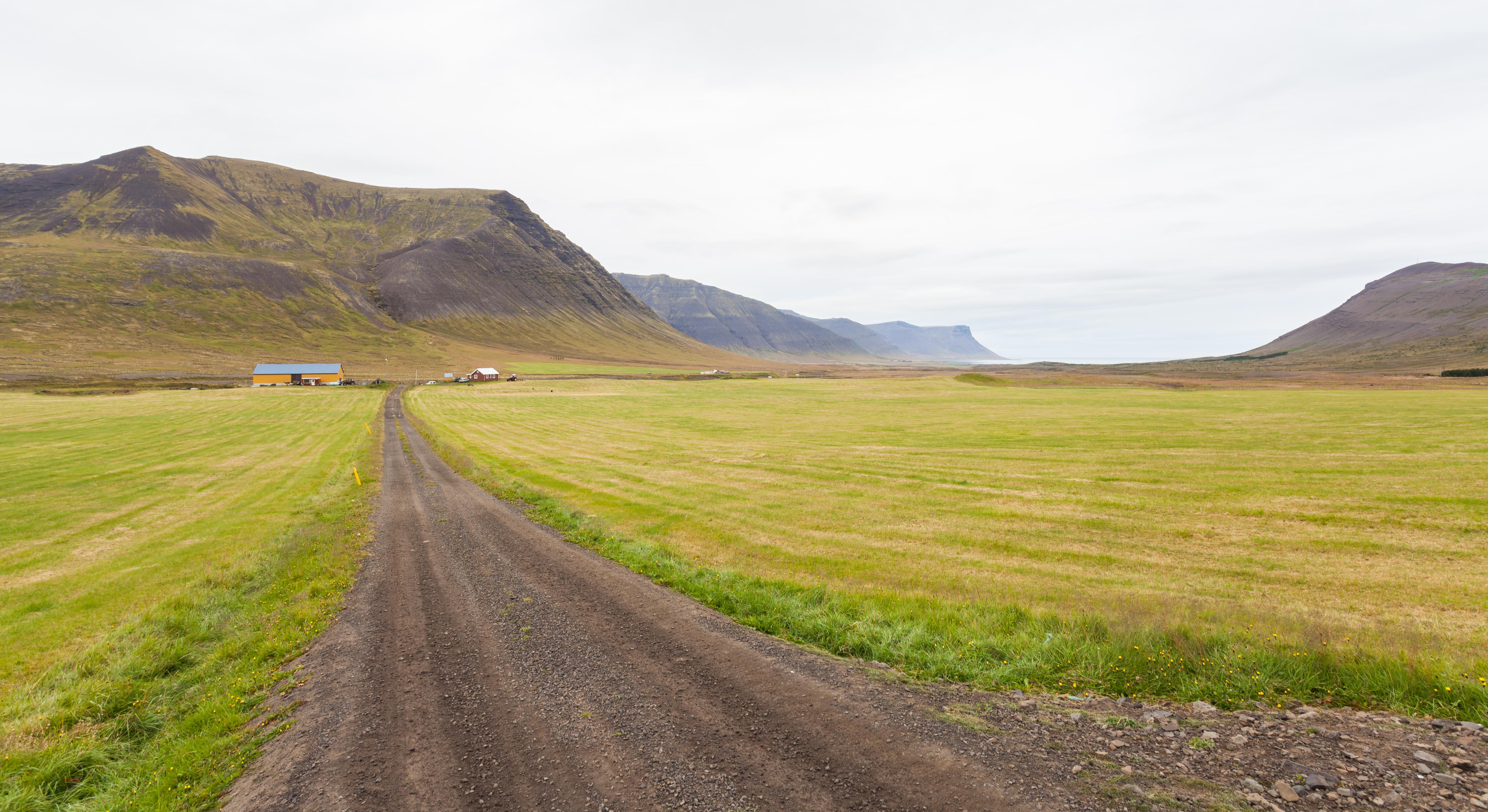 file paisaje cerca de ingeyri vestfir ir islandia 2014