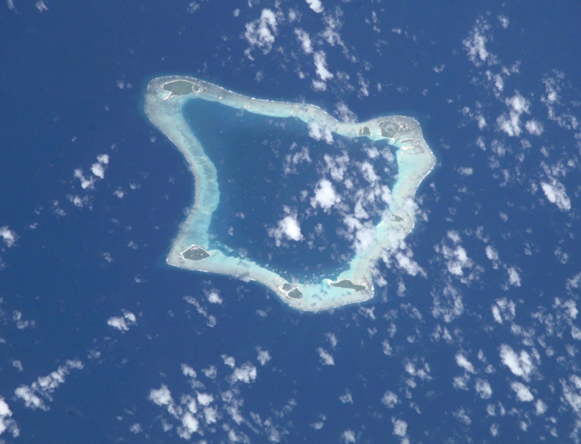 File:Palmerston Atoll.jpg - Wikipedia, the free encyclopedia: en.wikipedia.org/wiki/file:palmerston_atoll.jpg